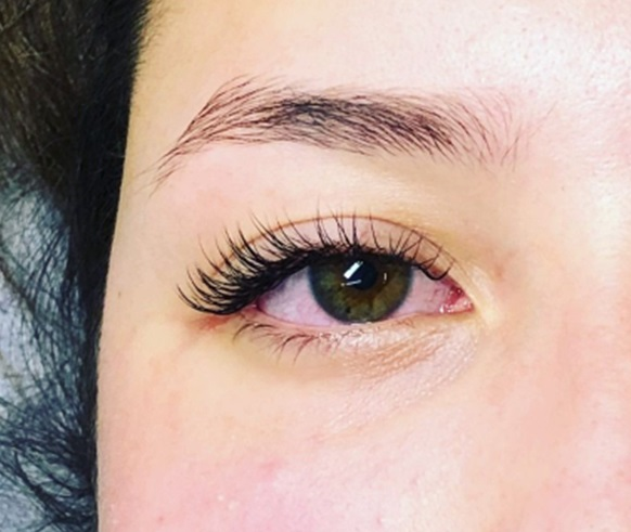 Having Longer Eyelashes – A Beauty Trend Wave